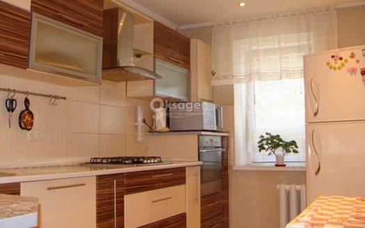Продается просторная 4 комнатная квартира в кирпичном доме на ближнем Намыве
