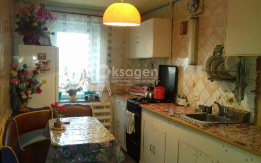 Продам трехкомнатную квартиру по ул. Металлургов