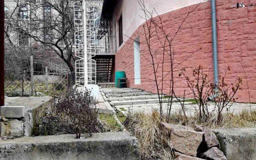 Продается 3-х этажный дом в Соляных