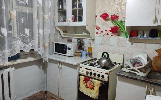 Продается однокомнатная квартира по улице Карпенко в Лесках (2 КП)