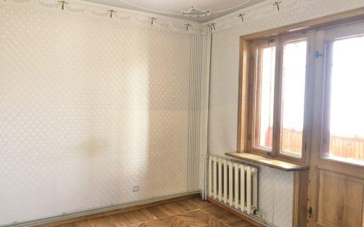 Продаётся просторная 3 комнатная квартира в Ингульском районе, квадратный холл