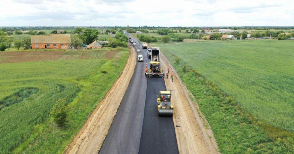 В Николаевской области идет ремонт дорог к морю