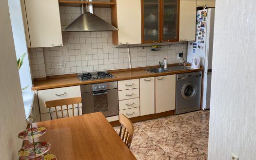 Продается трехкомнатная квартира с ремонтом в центре Николаева