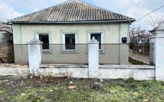 Продается небольшой дом в Варваровке