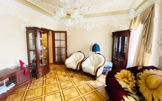 Продается 3 комнатная квартира на Набережной