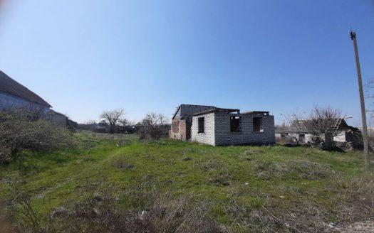 Продается участок в Большой Коренихе с незавершенным строительством жилого дома