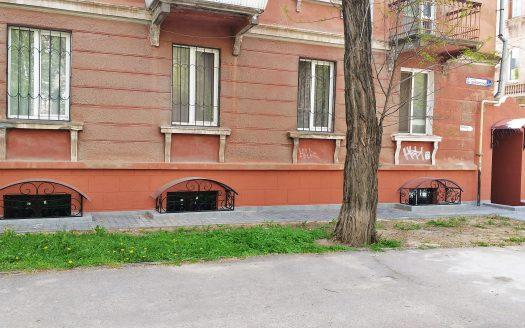 Продается цокольное помещение 90 кв.м. под офис или салон по ул. Адмиральская