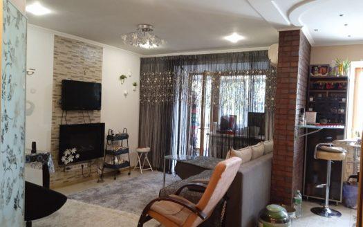 Продам 1-комнатную квартиру-студию в центре Корабельного района