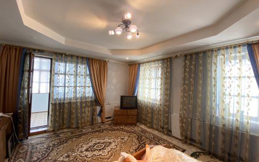 Продается двухэтажный дом в Варваровке