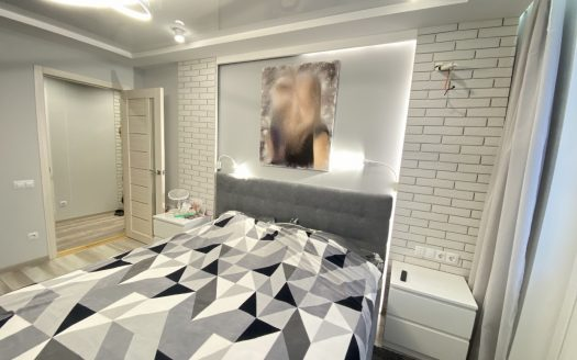 Продается уютная 3 комнатная квартира с идеальным евроремонтом!