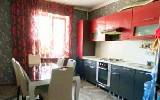 Продается четырехкомнатная квартира по ул. Озерная (Намыв)