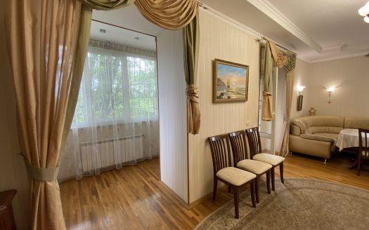 Продам двухуровневую квартиру по ул. Набережная