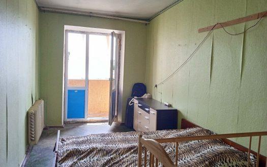 Продаю трехкомнатную квартиру на Рассвете