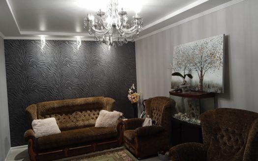 Продается трехкомнатная квартира по улице Чкалова