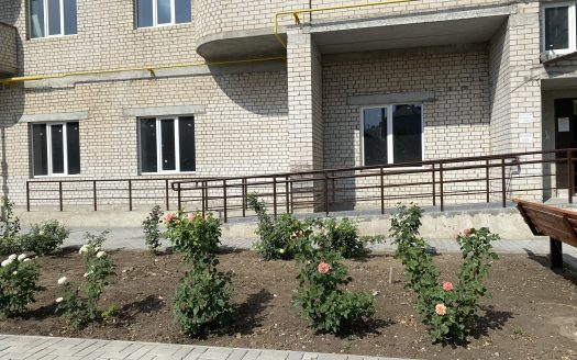 Продается крупногабаритная 3 комнатная квартира с двумя санузлами в центре города, кирпичный дом