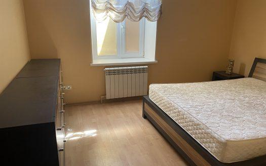 Продается 4 комнатная квартира с автономным отоплением в центре города!