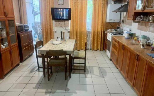 Продается большая 2 комнатная квартира по пр. Мира