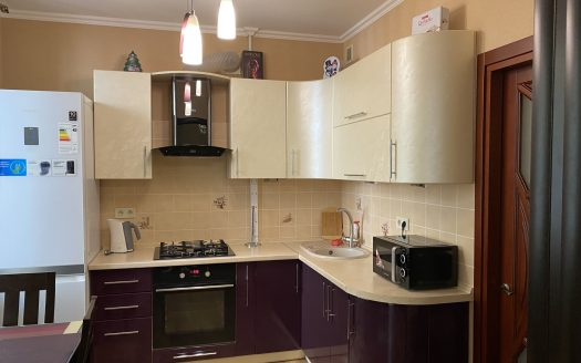 Продается 2 комнатная квартира с ремонтом на Соборной