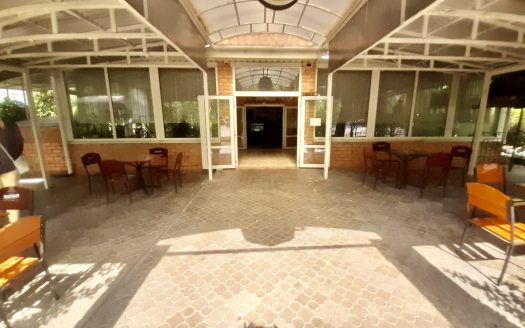 Продается коммерческое отдельно стоящее двухэтажное здание по ул. Никольская, р-н Яхт-клуба