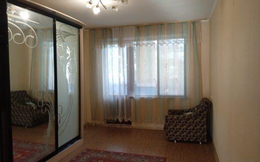 Продам трехкомнатную квартиру в районе ул. Океановской