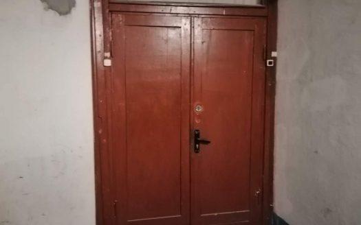 Продам двухкомнатную квартиру на площади Победы по ул. Космонавтов